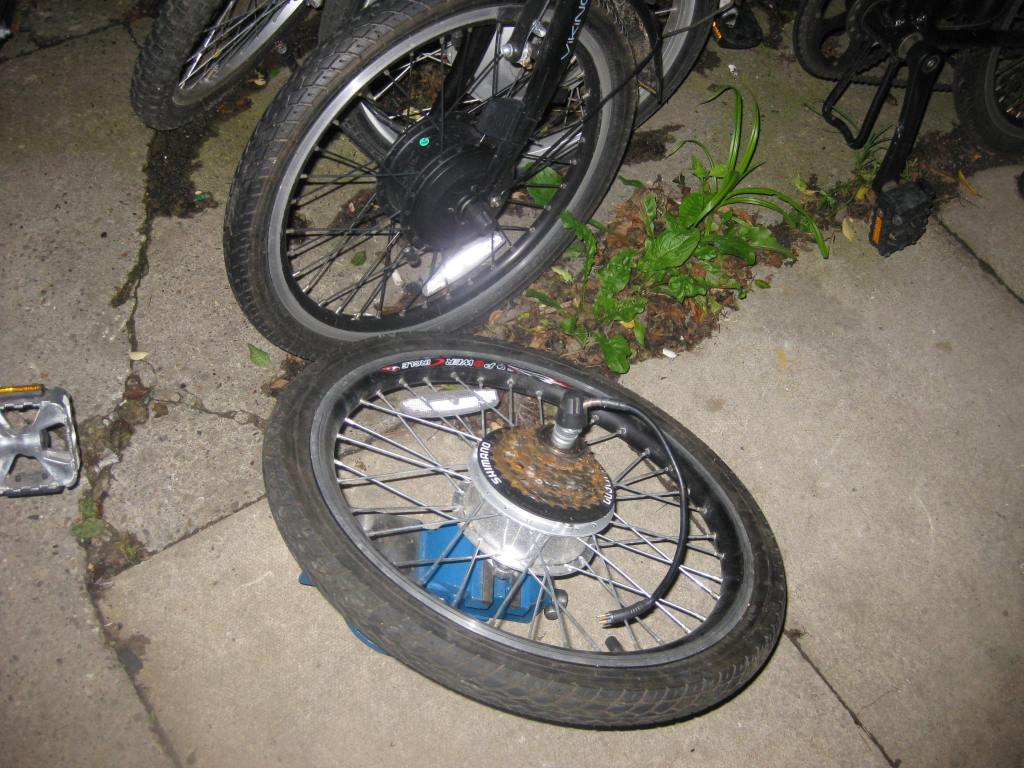 Image of a fenetic stow away ebike motor and wheel etc.