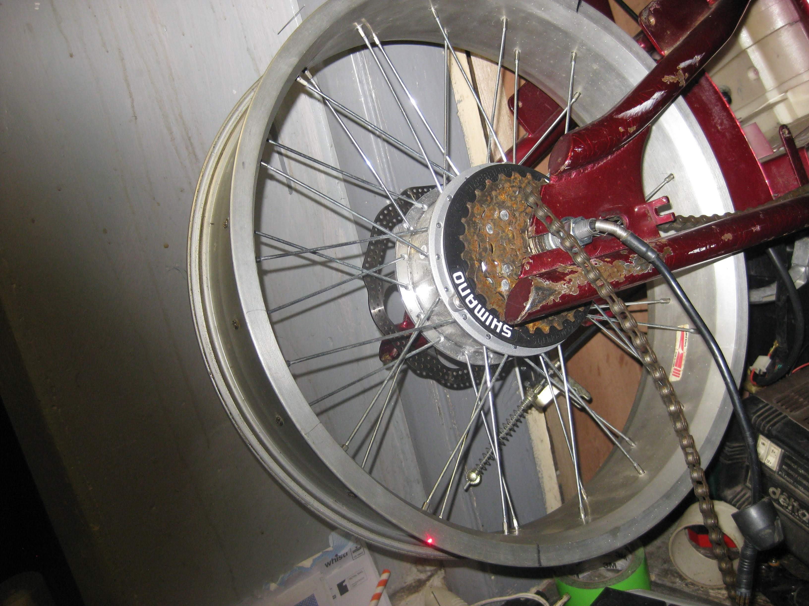 Image of the rear wheel with the new motor fitted in.