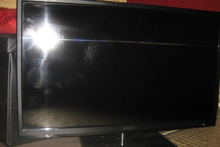 32″ HD LED FLAT SCREEN TV FOR SALE